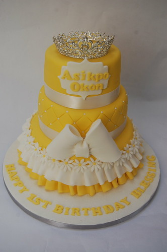 Such A Bright And Beautiful Cake Perfect For Spring Or Summer Celebration Be It Birthday Blessing Baptism Christening