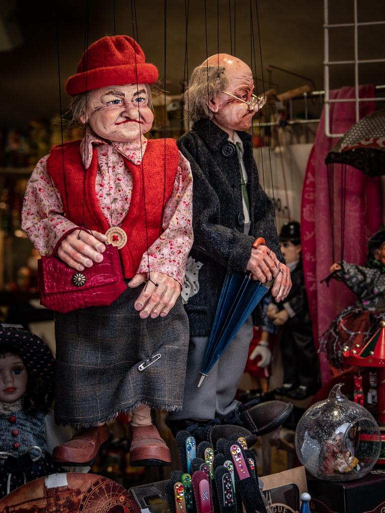 Le retour des marionnettes de Prague... 47922913338_b1edca86b7_b
