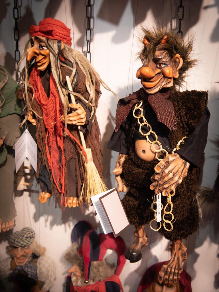 Le retour des marionnettes de Prague... 47922936082_571b818e9b_b