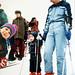 Budoucí olympijská medailistka poprvé na ski ve stáří ani dvou jar, držíc se za ruku smamčou Lídou