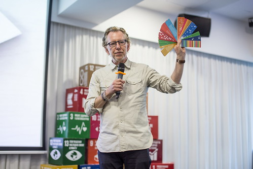 Jakob Trollbäck: Can we design our way to sustainability? May 22, 2019