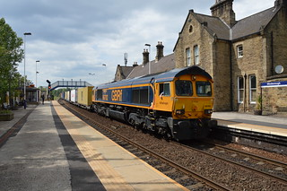 66702 passing through Mexborough station with the 4E34 Southampton Western Docks to Doncaster, 23rd May 2019.