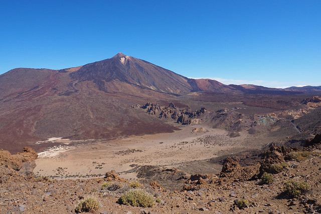 Only one walking route to the summit of Mount Teide.