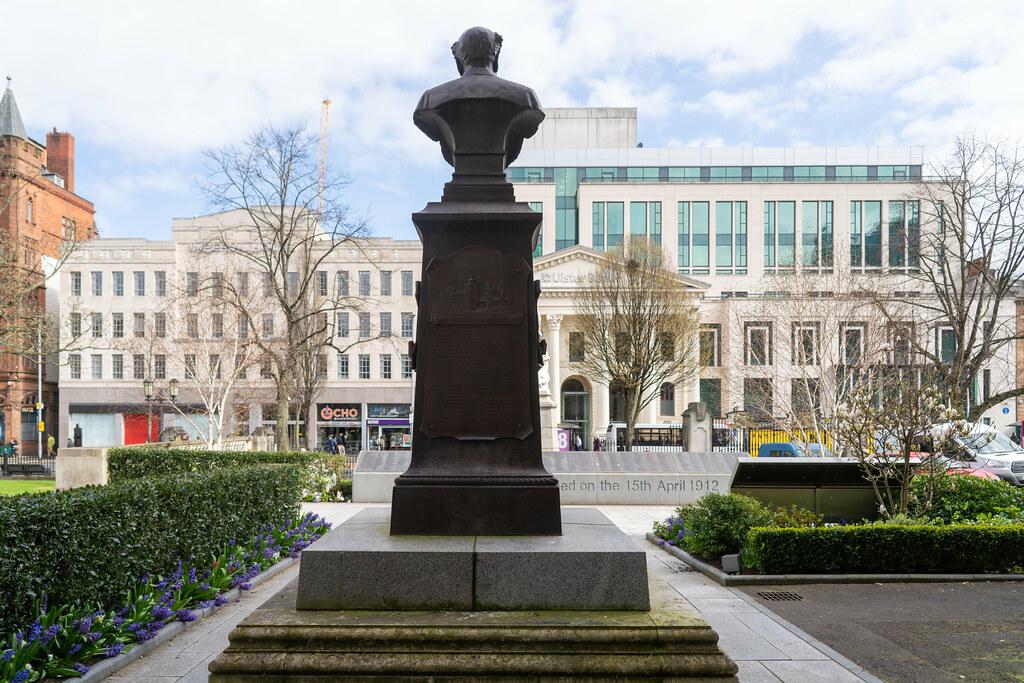 STATUE OF WILLIAM JAMES PIRRIE LORD MAYOR OF BELFAST 1896-1898  002