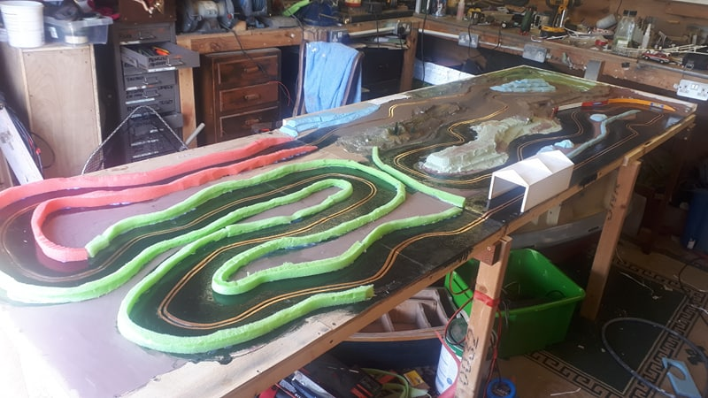 Slot car racing 47925531681_d35c4f29a3_c