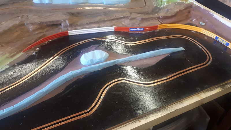 Slot car racing 47925649001_91a7d9afb1_c