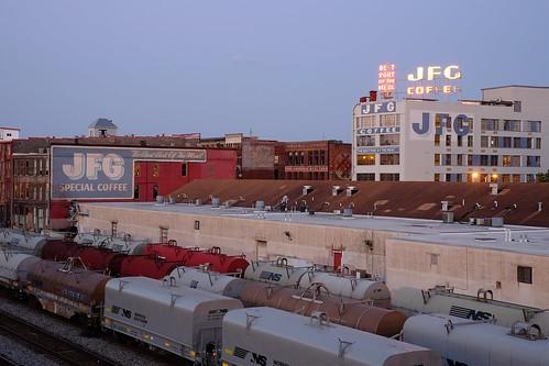 knoxville tennessee gaystreet bluehour dusk jfg fujifilmxe2 meike35mmf17 trainyard