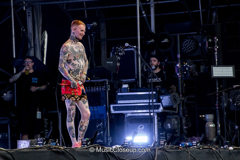 13 - Frank Carter & The Rattlesnakes -2047
