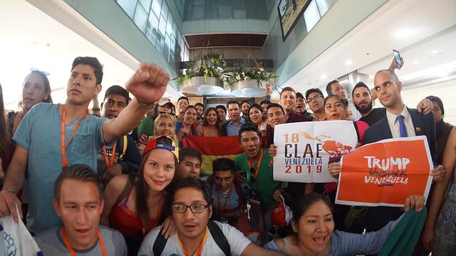 Canciller Arreaza saluda a Delegción Boliviana en el marco de la CLAE