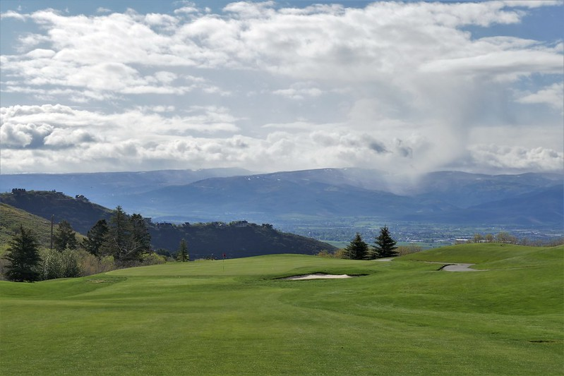 Wasatch Mountain #8 par 5 x pitch to green 966