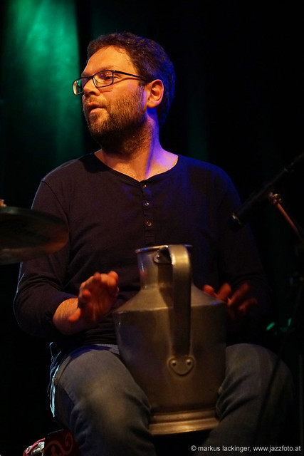 Andras Des: percussion, drums