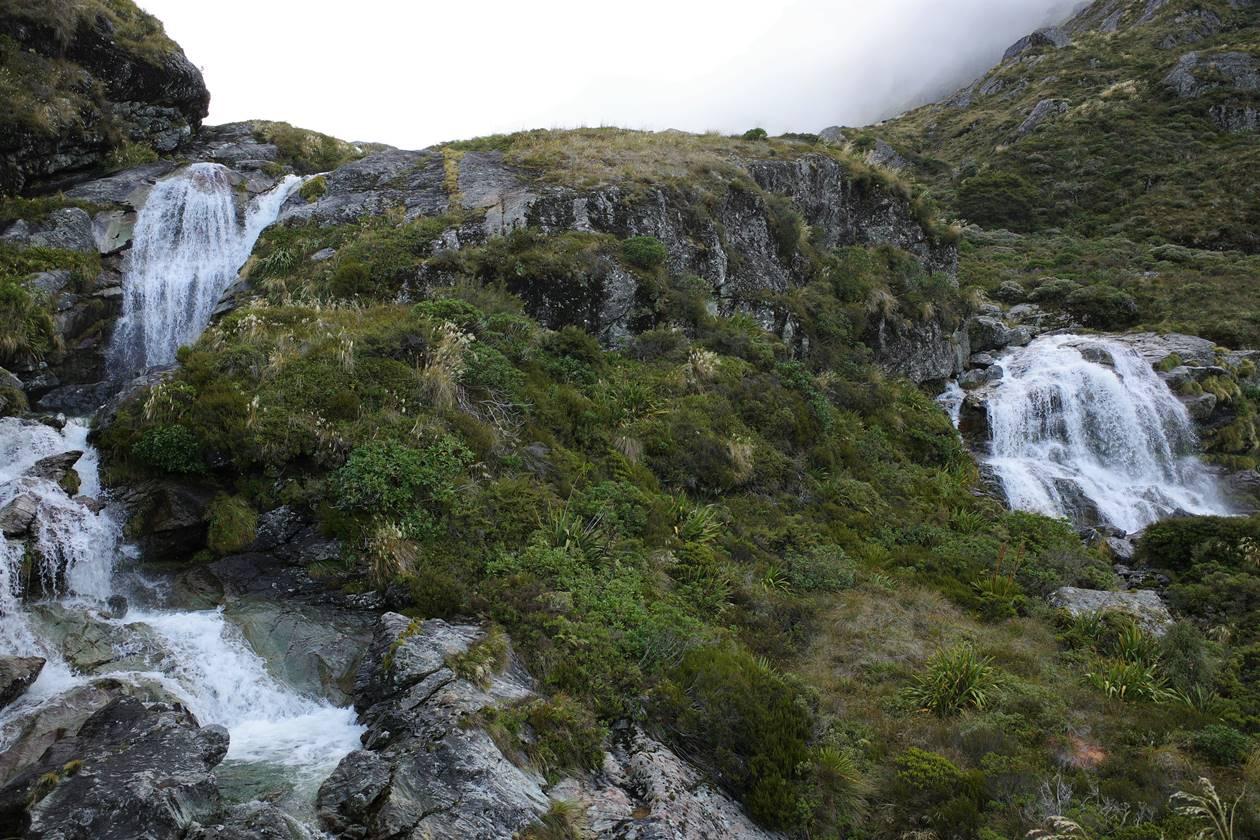 ルートバーン滝