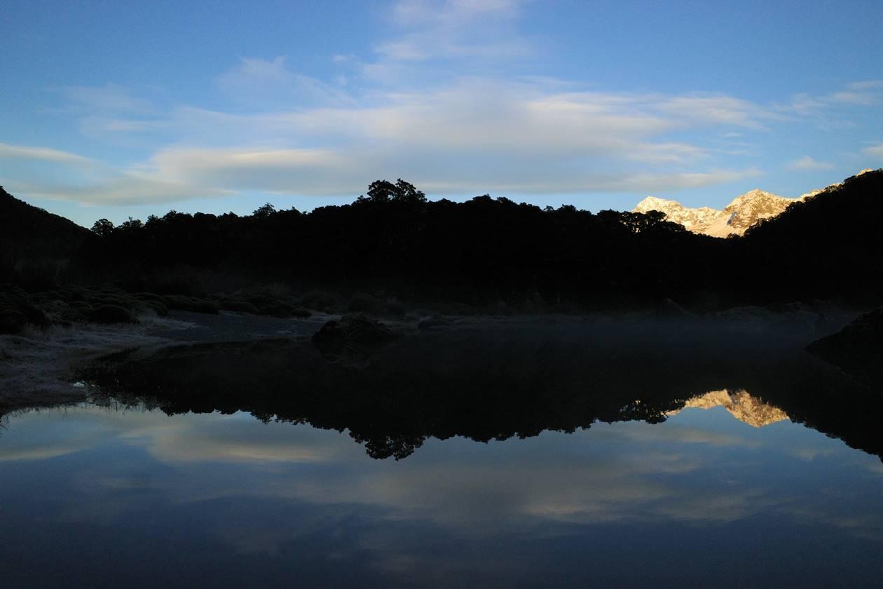 マッケンジー湖からのモルゲンロート