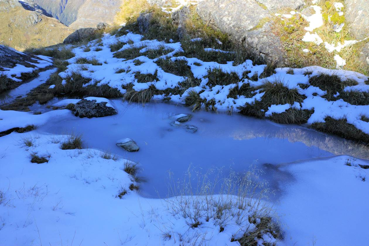 GWのルートバーントラック 凍結した登山道