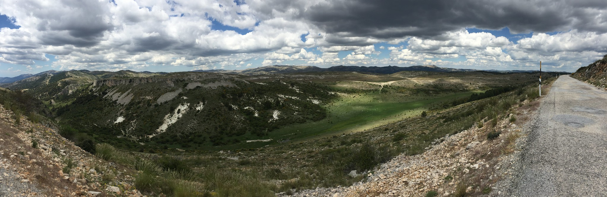 Entramos en otro mundo: la Sierra se despliega frente a nuestros ojos