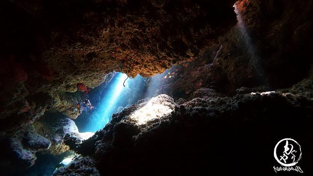 洞窟の光がめちゃんこキレイでした♪
