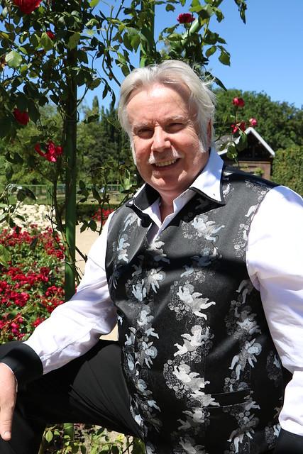 Hans-Jürgen Tribute Singer