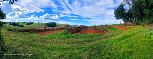 swales comboyneplateau midnorthcoast nsw plantingswales volcanicsoil redsoil farminglandscapes comboyne australia clouds farmlandscape iphonexbackdualcamera iphone iphonex appleiphonex landscape grass fields plateau boorgannanaturereserve iphonepanorama iphonexpanorama appleiphonexpanorama panorama costagroup wideangle iphonephotography shotoniphone avocadoplantation avocadotrees