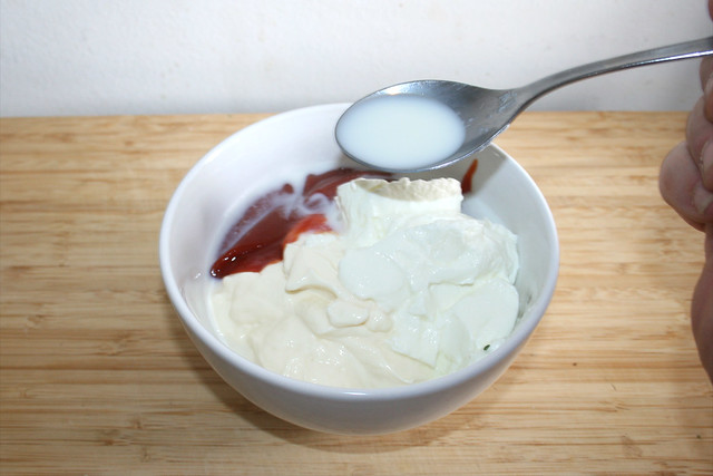 11 - Milch addieren / Add milk