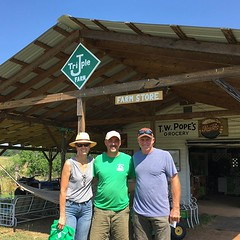 So glad to have our friends Tony and Betsy Brown from @longviewfarmsfl stop by today on their way to @polyfacefarm. It was great seeing you guys! Safe travels!