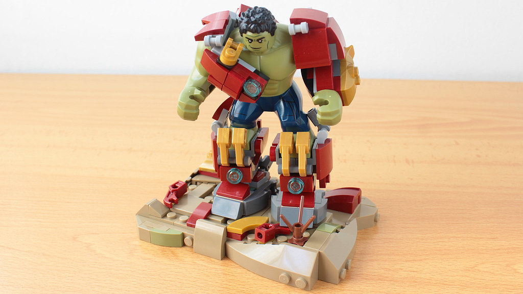 Hulk breaking out of the Hulkbuster