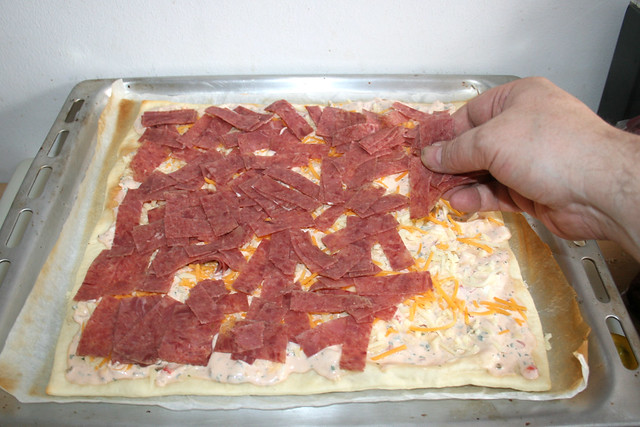 08 - Corned Beef Streifen auflegen / Apply corned beef stripes