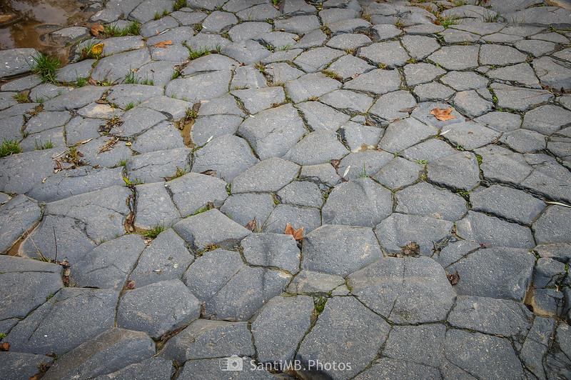 Suelo de basalto de la segunda colada de Sant Joan les Fonts