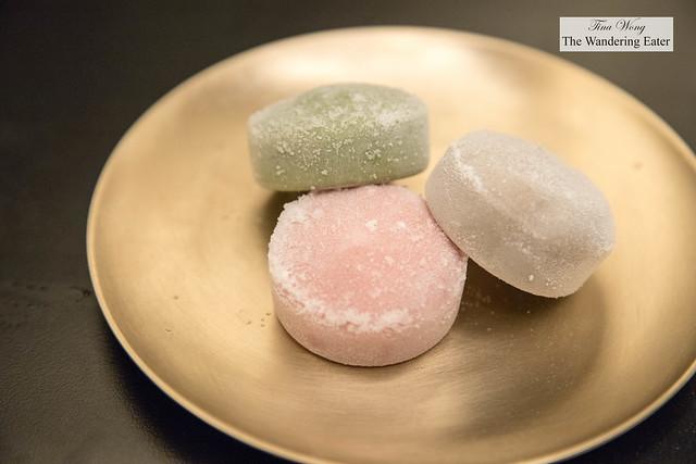 Mochi ice cream - Black sesame, red bean and green tea flavors