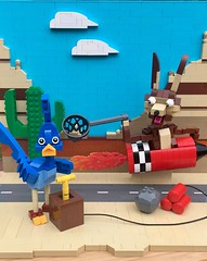 MOC: Beep! Beep! Roadrunner and Wile E. Coyote