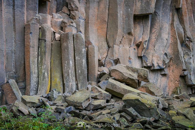 Bloques de basalto de los riscos de Fontfreda