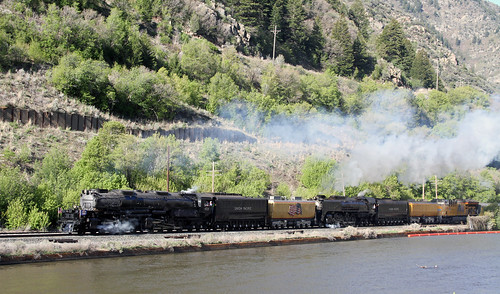 Big Boy #4014 and the #844 double head Eastbound out of Ogden, UT.