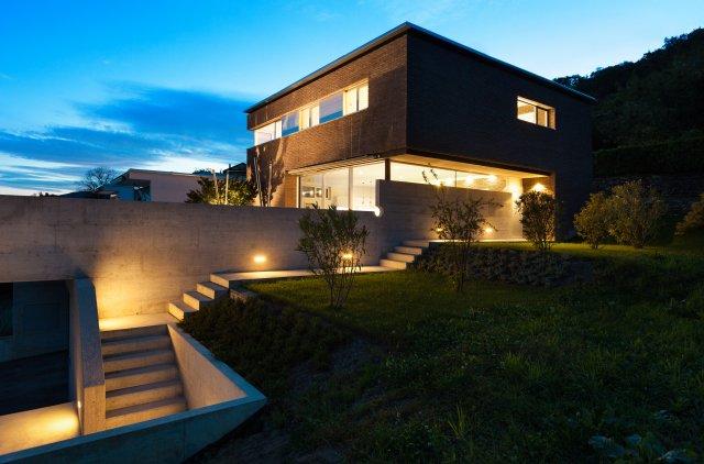 Pencahayaan Luar Ruangan Bangunan Rumah Tinggal