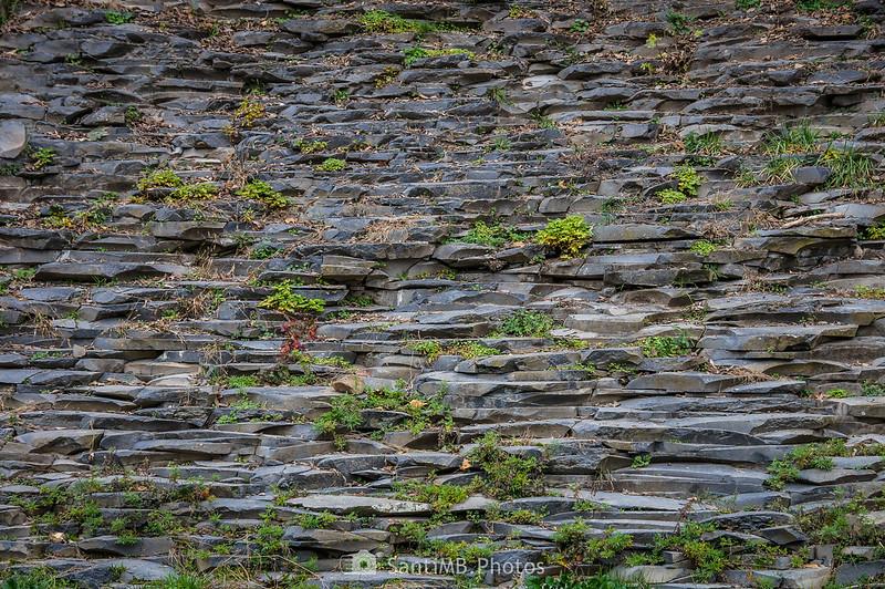 Losas de basalto de la segunda colada de lava de Sant Joan les Fonts