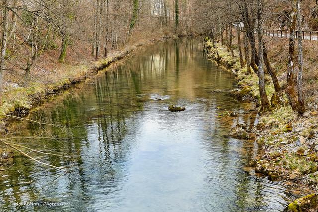 Rijeka Dobra nizvodno od utoka potoka Kamačnik u Dobru