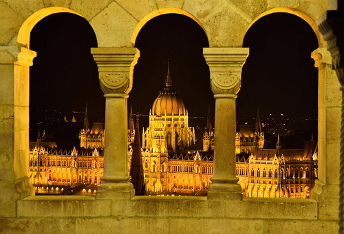 budapest night parlament hungary magyaroszág city view halázbastya rostamnovak