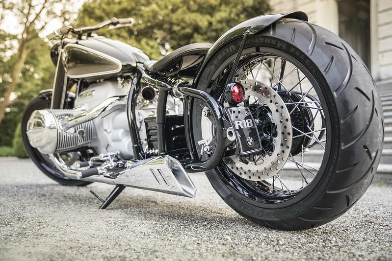 P90351222_highRes_bmw-motorrad-concept