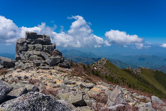 五丈石と登って来た稜線