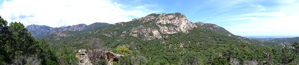 L'arrivée à la piste de Luviu : vue panoramique