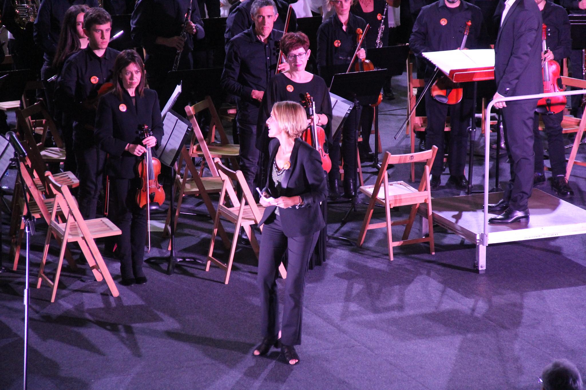 Humanity at Music, Herriz herri Aretxabaleta