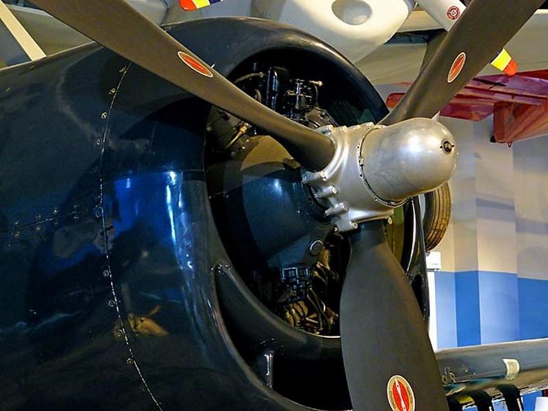 Grumman F6F-5 Hellcat 00002
