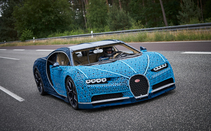 LEGO-Bugatti-Chiron-1