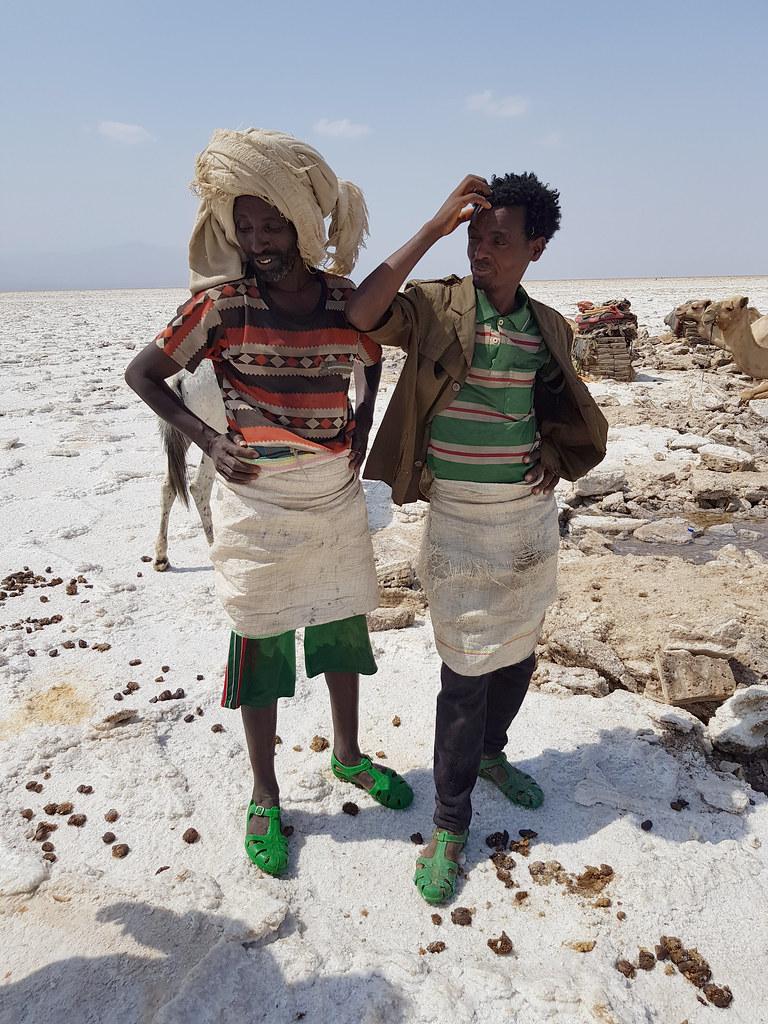 Afarowie na pustyni Danakil, Etiopia