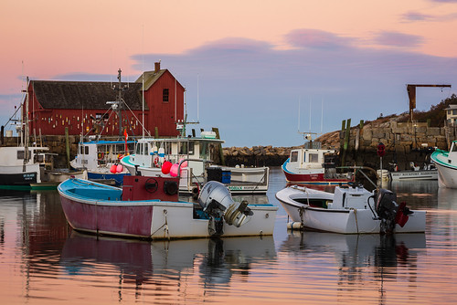 boats goldenhour harbor ma massachusetts nikonafnikkor80200mmf28d nikond600 rockport sunrise motif no 1