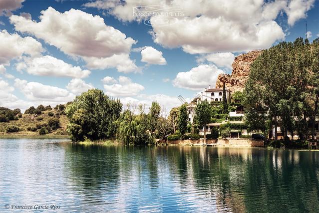 Por las lagunas de Don Quijote./Through the Lagoons of Don Quixote.
