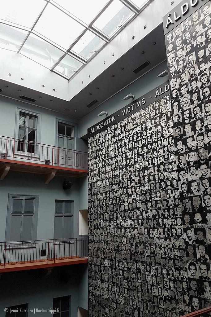 Terrorin talon keskiosassa muistetaan uhreja