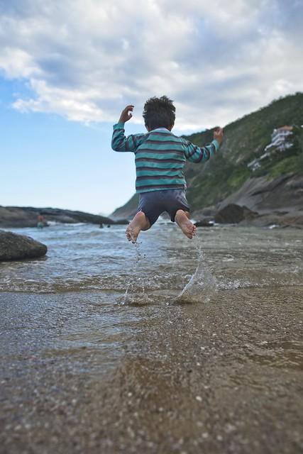 Diego pulando alto