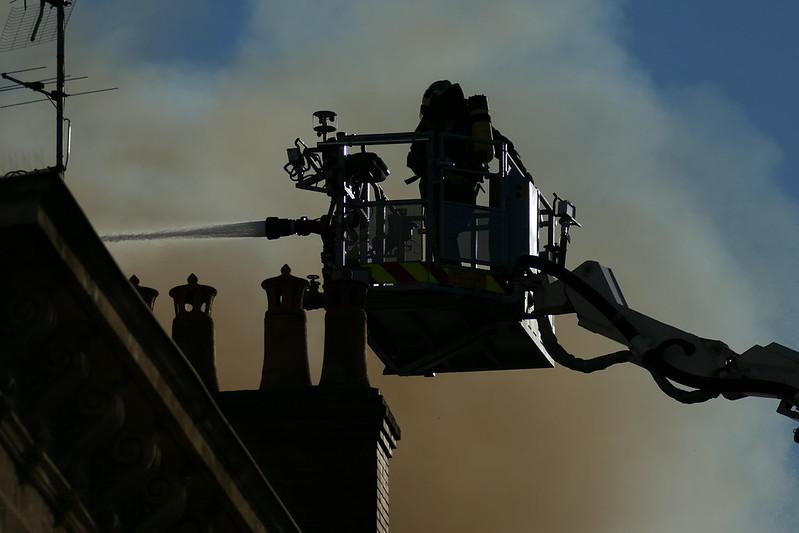 Incendie à Bordeaux 47937308973_1b053f7d60_c