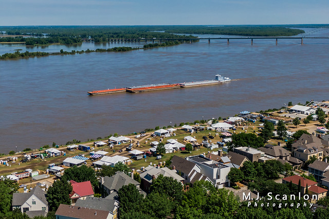 Mississippi River Traffic | Memphis, Tennessee