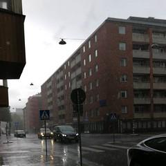 Happy EU-valdag! Det vräker ned och jag har inget paraply... i.e. genomblöt. Men röstat har vi gjort. :)