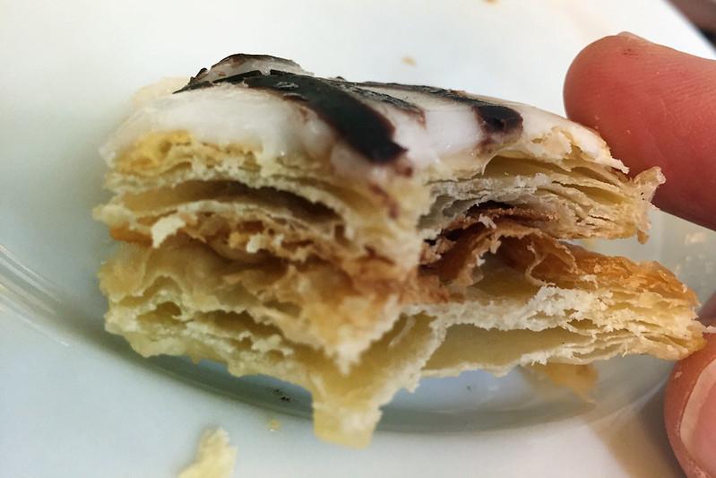 Vanilla slice: Pasteleria Vila Velha